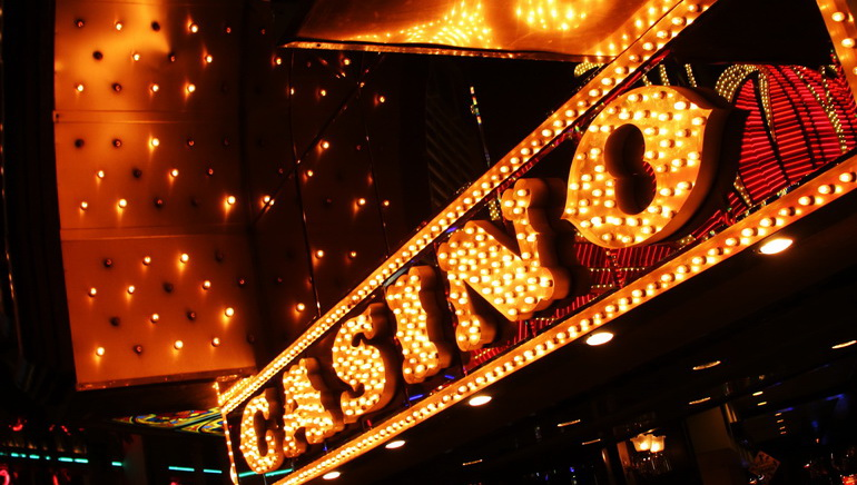 luxury casino online